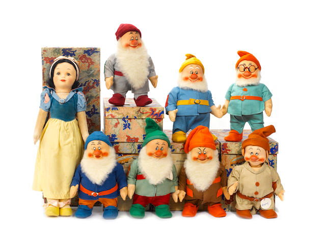 Rare larger size boxed Chad Valley set of snow white and the seven dwarfs 8