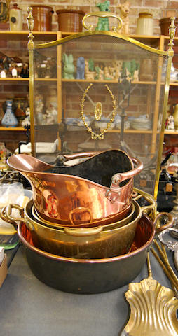 A mixed collection of metalwares
