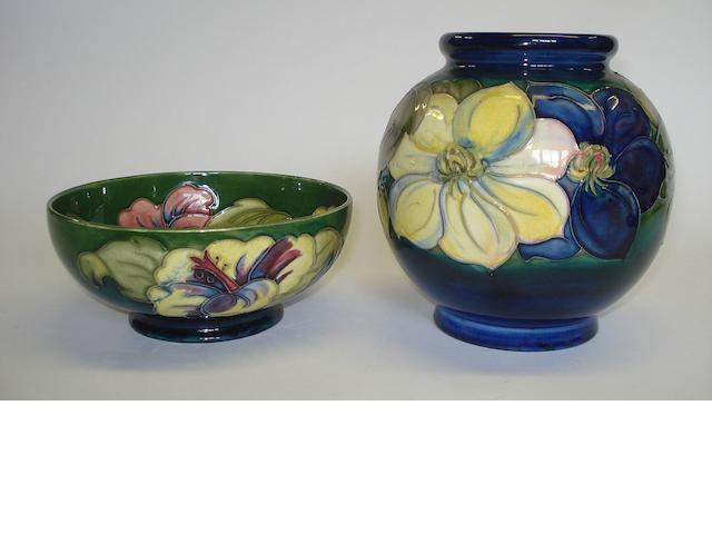 A Moorcroft Hibiscus pattern bowl