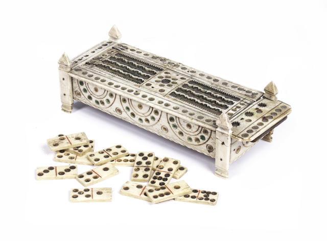 A 19th century Prisoner of War bone domino box,  6x2.5x2in(15x6.5x5cm)