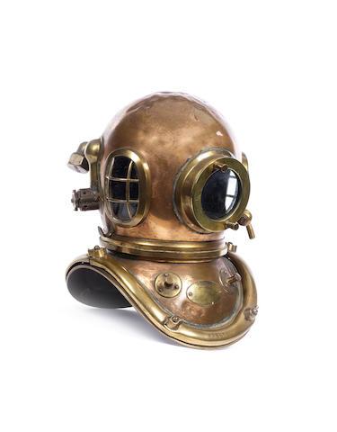 A six bolt Diver's Helmet, 14x15x19in(36x38x48cm)