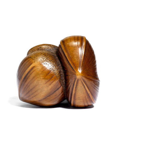 A boxwood netsuke of three chestnuts Early 19th century