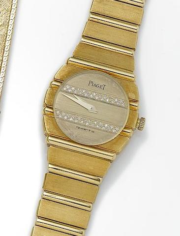 Piaget. A lady's 18ct gold quartz bracelet watchReference Number: 861C701, Case Number: 389435, Circa 1990