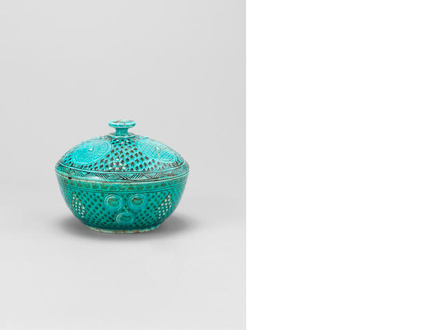 A Kutahya pottery Bowl and Cover Turkey, 19th Century(2)