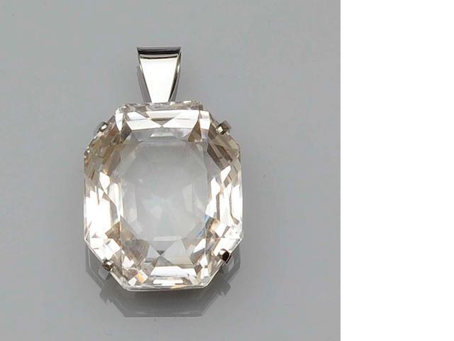 A white topaz pendant