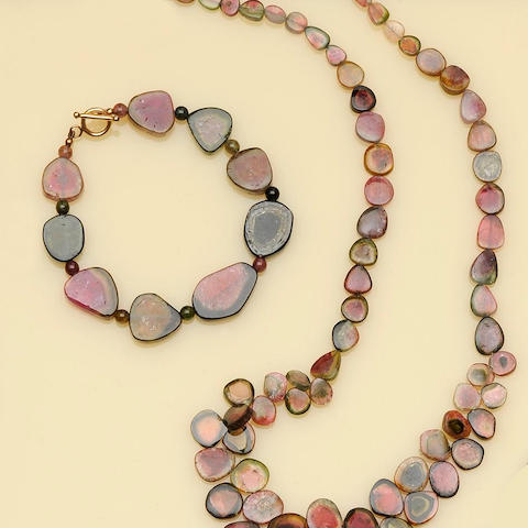 A watermelon tourmaline necklace and bracelet suite,