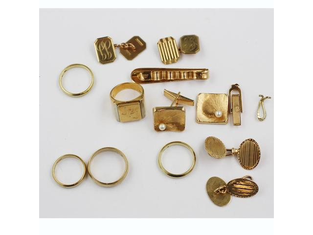 Assorted gold items