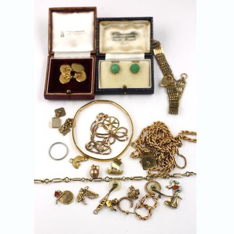 A mixed group of jewellery