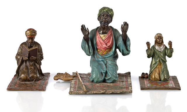 Vienna bronze, figures praying