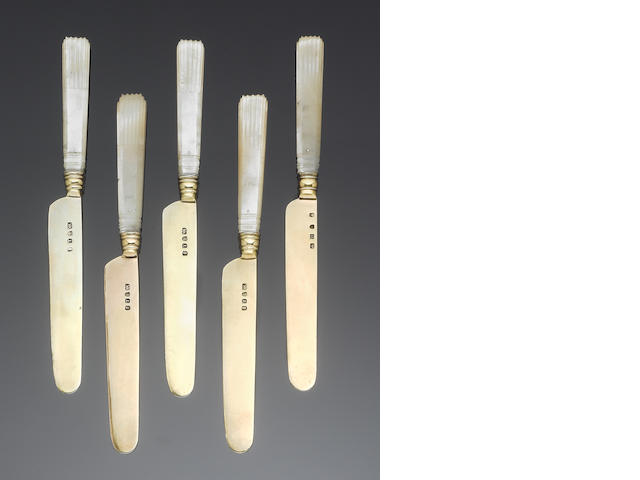 Five 19th century Chinese export silver-gilt and mother of pearl fruit knives, four, by Lynchong, one, by Sunshing, a tomato server, a tablespoon and a small quantity of other flatware.(Qty)