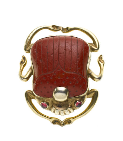 A Victorian silver-gilt and hardstone mounted novelty scarab vinaigrette, unmarked,