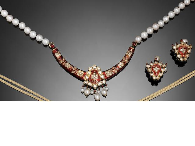 An Indian diamond-set enamelled Pendant Necklace and Earrings