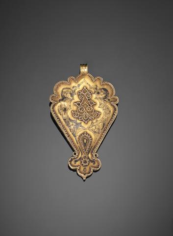A Seljuk gem-set gold Pendant Persia, 12th/ 13th Century