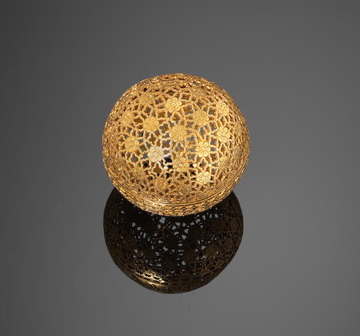 A fine gold bezoar-stone Holder India, 18th Century