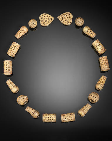 An Ayyubid gold repoussé Necklace Egypt or Syria, 13th/ 14th Century(19)