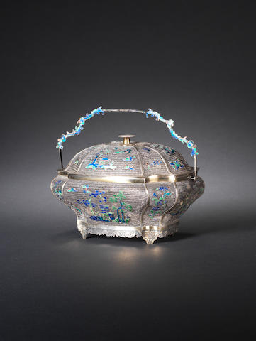 A silver filigree enamelled box and cover First half of the 19th century