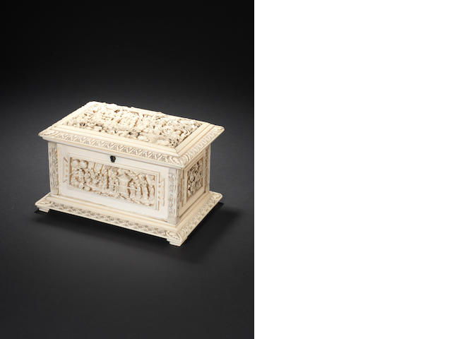 A well-carved ivory jewellery box and cover 19th century