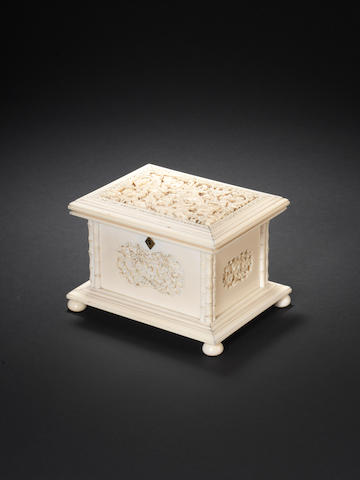 A carved ivory jewellery box and cover 19th century