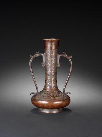 An archaistic bronze vase 18th century