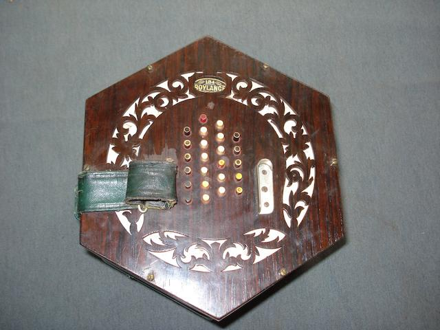 An English System Concertina Labelled Wheatstone & Co (2)