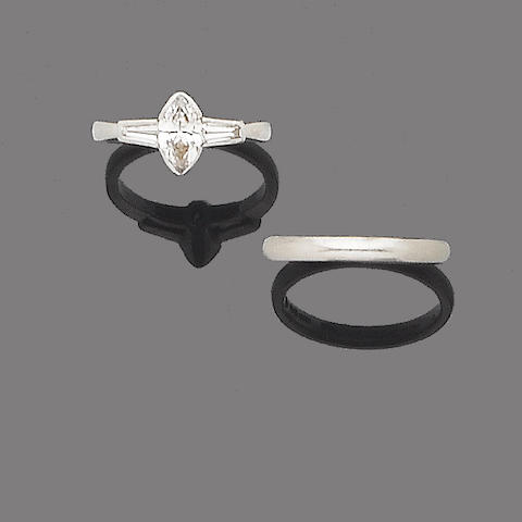 A diamond single-stone ring and a wedding band (2)