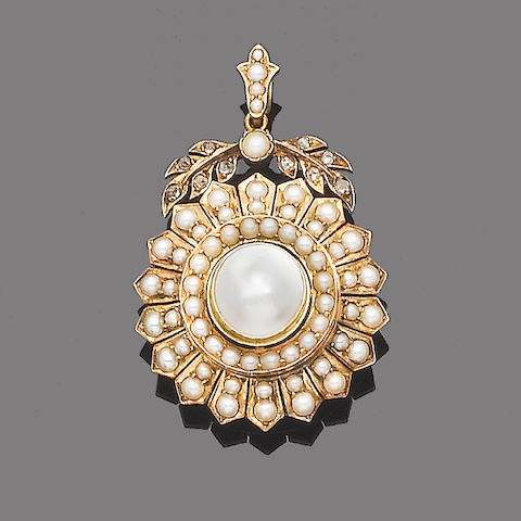 A cultured mabé pearl, half-pearl and diamond brooch/pendant,