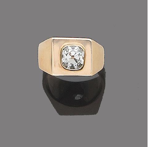 A gentleman's single-stone diamond ring