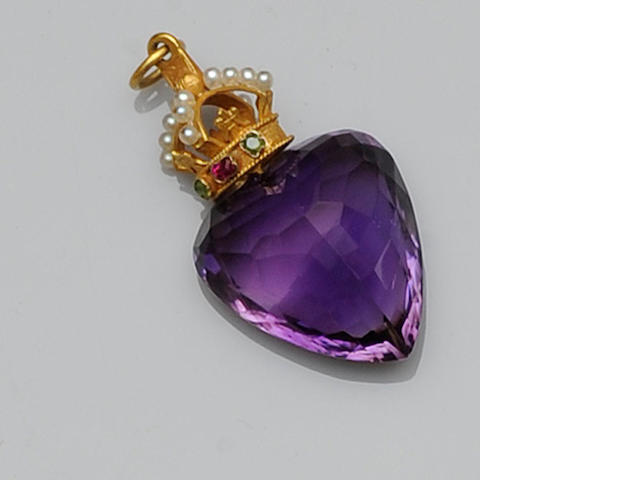 An amethyst heart pendant