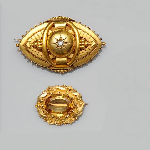 A Victorian brooch (3)