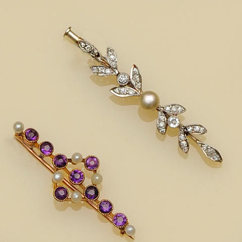 Two bar brooches (2)