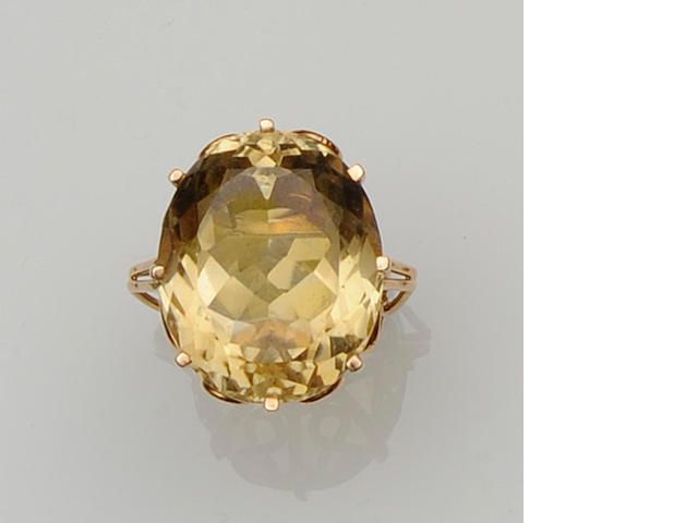 A citrine dress ring