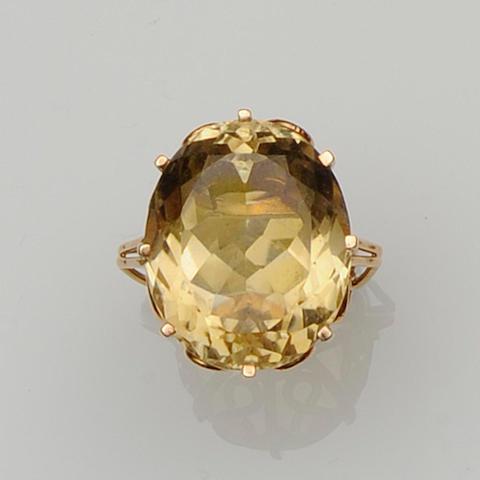 A citrine dress ring