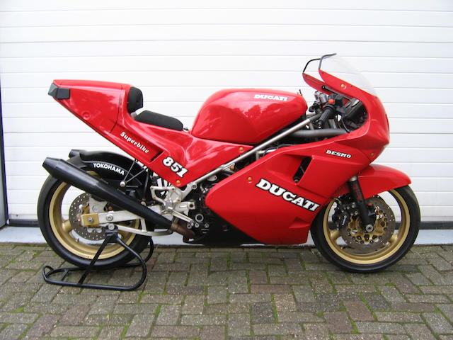 One owner from new, zero miles,1989 Ducati 888cc 'Lucchinelli Replica' Frame no. ZDM851SX850188X Engine no. ZDM851W4X850188X