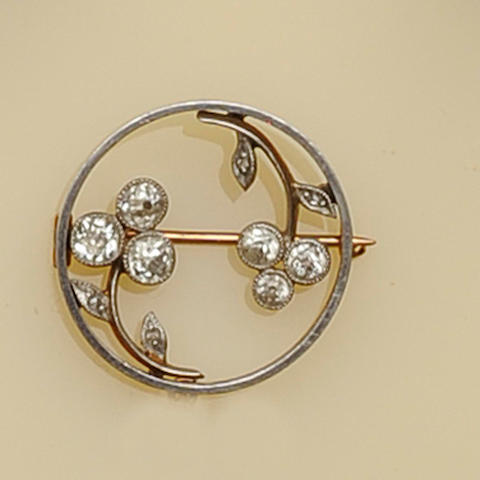 An early 20th Century diamond circular brooch