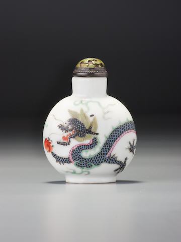 A 'famille-rose' porcelain 'dragon' snuff bottle Daoguang iron-red seal mark and of the period, Imperial kilns, Jingdezhen, 1821–1850