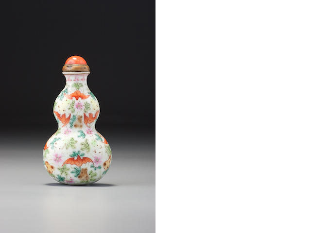 A 'famille-rose' porcelain 'gourds and bats' snuff bottle Imperial kilns, Jingdezhen, Qianlong iron-red seal mark and of the period, 1740–1775