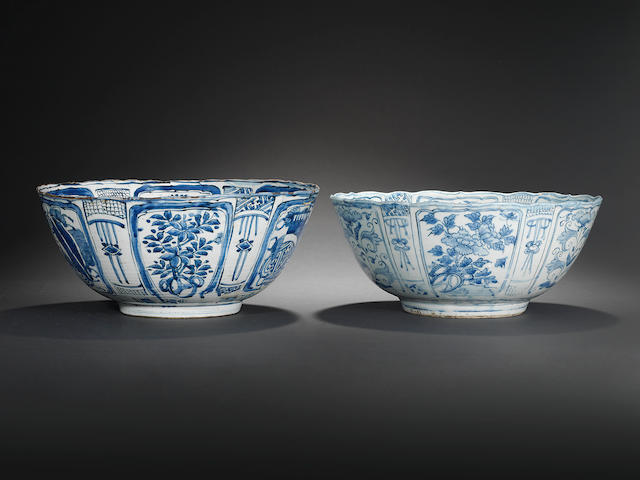 Two large blue and white 'kraak porselein' bowls Wanli