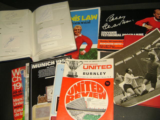 A large collection of footballers autographs, various programmes