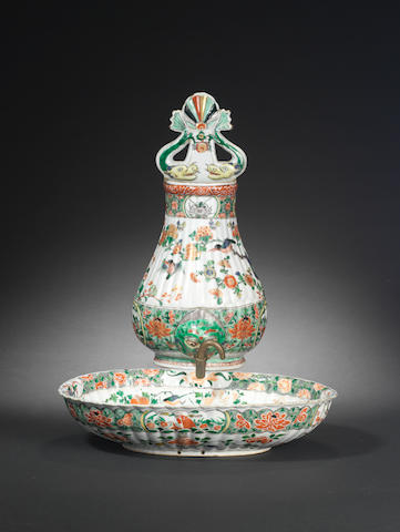 A famille verte fountain and a basin Kangxi