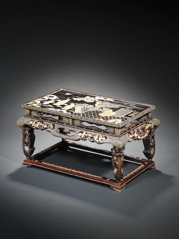 A mother-of-pearl-inlaid lacquer table Qianlong/Jiaqing