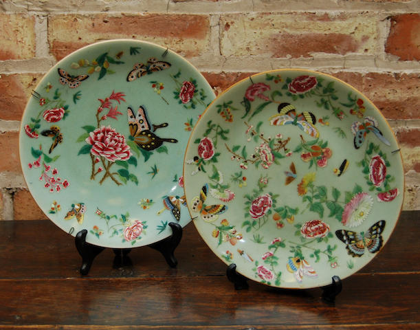 A near pair of late 19th century famille verte plates