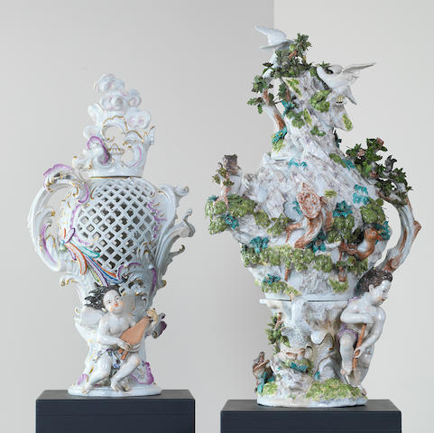 A highly importatnt Meissen garniture of vases  Circa 1748