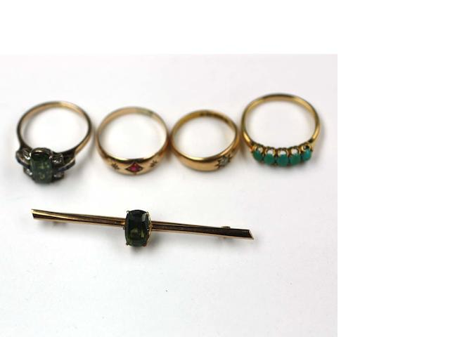 Assorted jewellery, (4)