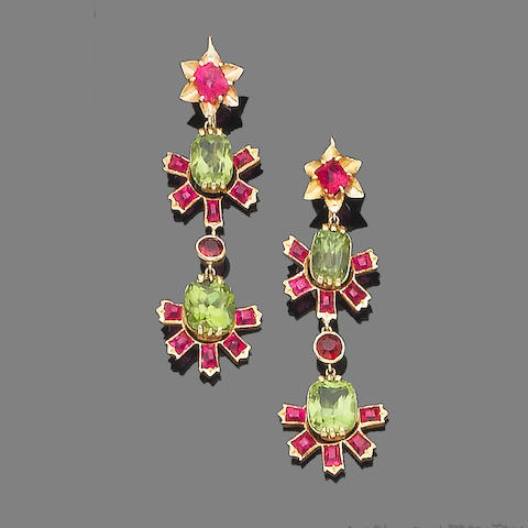 A peridot and spinel pendant necklace and earring suite (2)