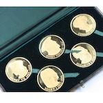 A set of five 22ct gold medallions Illustrative of the Tudor dynasty, each bearing the heads of the respective monarchs, hallmarked for Birmingham, 1971, cased,