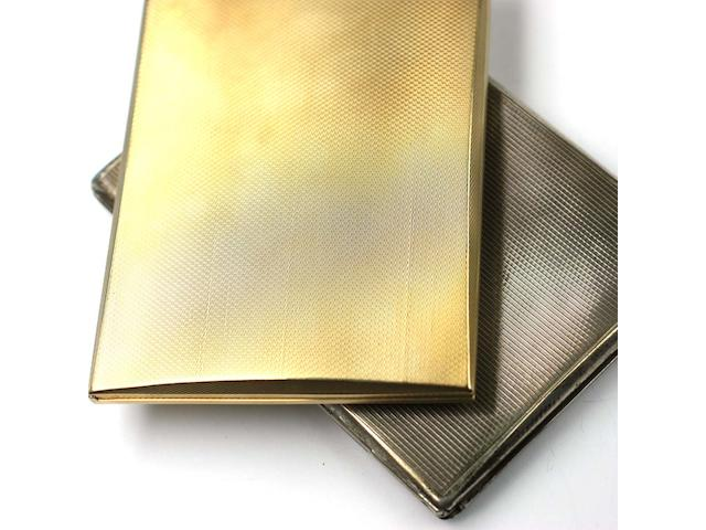 A 9ct gold rectangular cigarette case