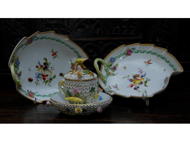 A pair of Meissen-style sweet dishes
