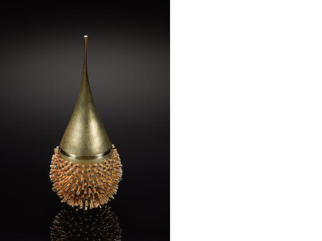 GERALD BENNEY:  An 18 carat gold stirrup cup and cover with gem stone set applied tubes,  by Gerald Benney, London 1967