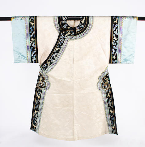 A Chinese early 20th century silk robe