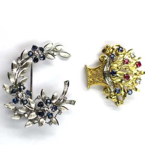 Two gem set brooches (2)